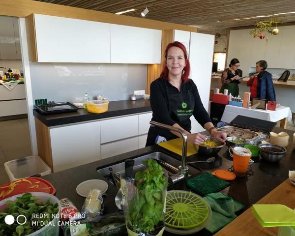 Verena in der Küche@Klamm
