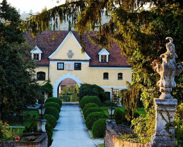 Auffahrt@Schloss Obermayerhofen