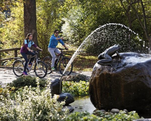 Radfahren beim Froschbrunnen