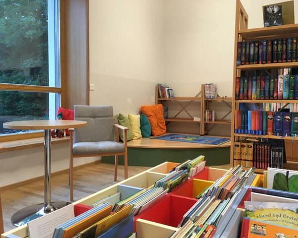 Leseecke in Bücherei@Fuchs Gerlinde
