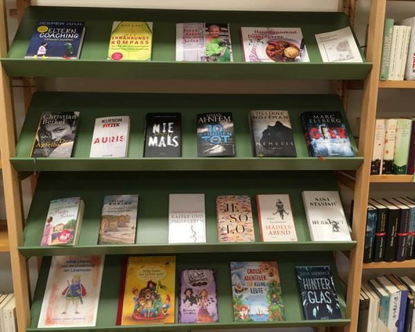 Bücher von Bücherei im Pfarr-Gemeinde-Haus@Fuchs