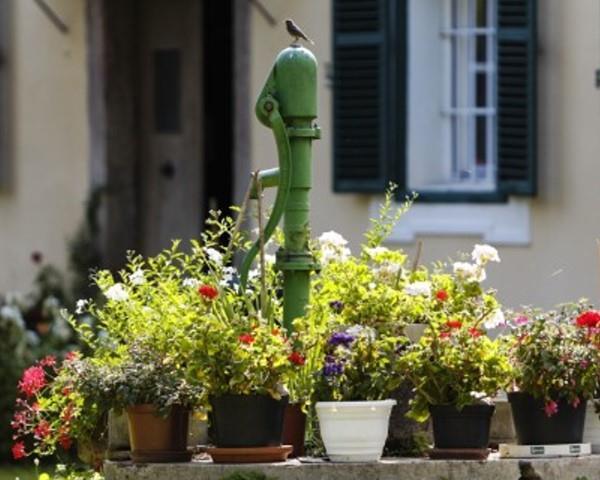 Ziehbrunnen beim Pfarrheim@Lederer