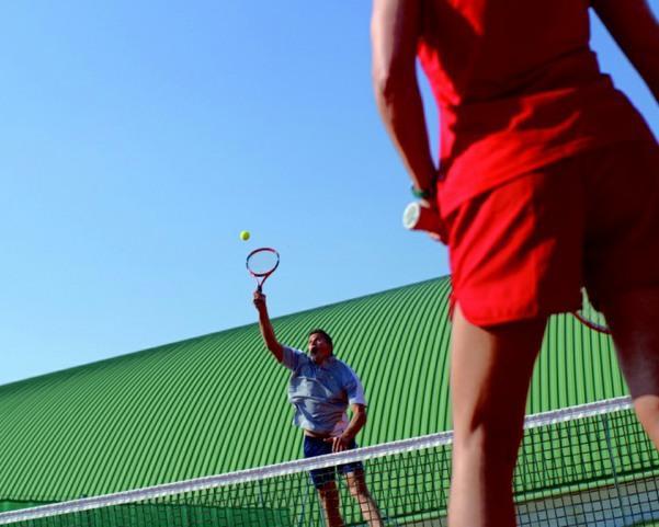Tennisspieler im Einsatz@Maxum