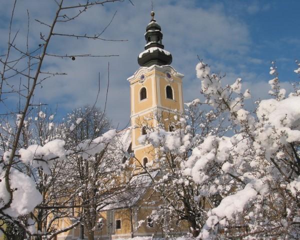 Pfarrkirche im Winter@Lederer