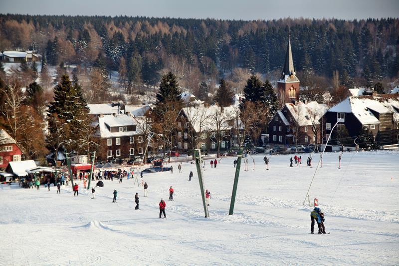 Der Skilift gegenüber vom Haus