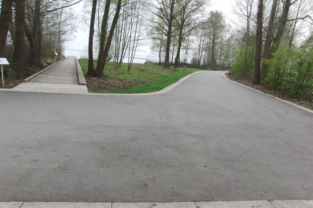 """Promenade mit """"Sehsteg"""" (20m vom der Grundszentfer"""
