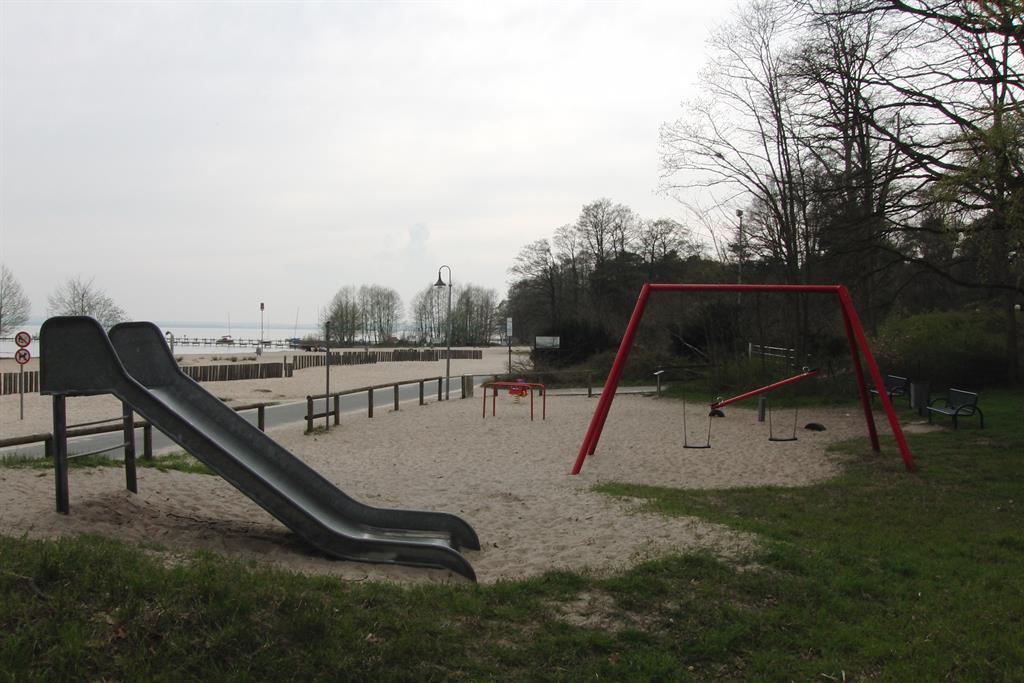 """Spielplatz an der """"Weißen Düne"""""""