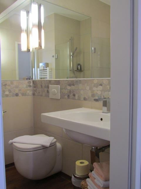 Wohnbeispiel Badezimmer im Doppelzimmer