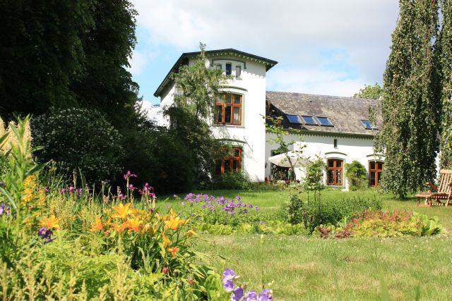 Haus Gartenseite Ansicht 1
