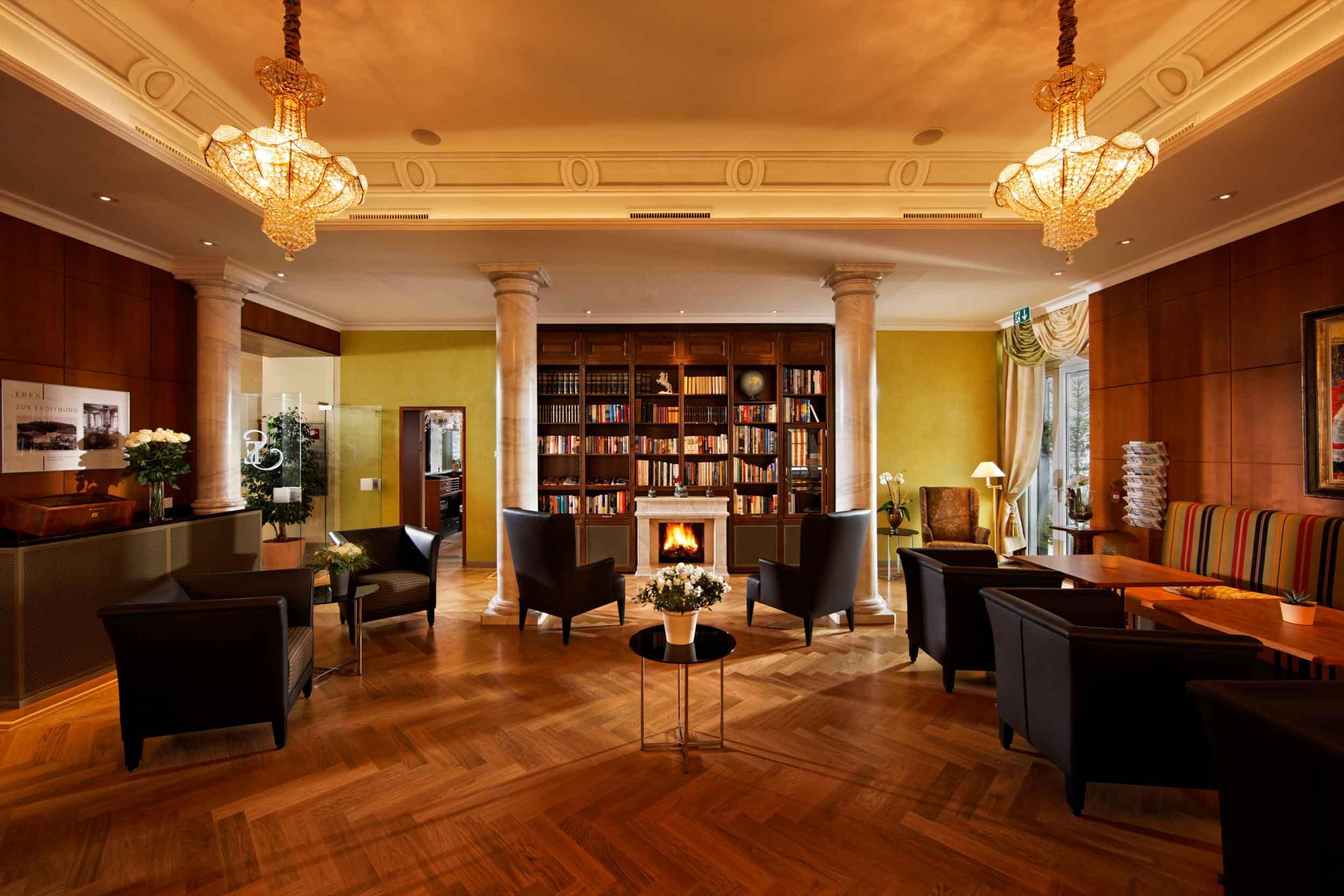 Hotel Eden Spiez: Bibliothek