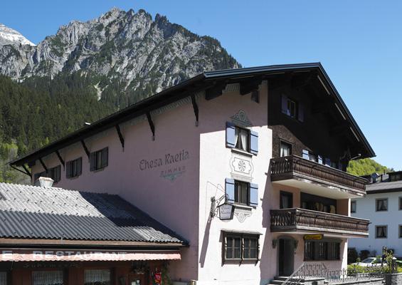 Hotel Garni Lodge Chesa Raetia