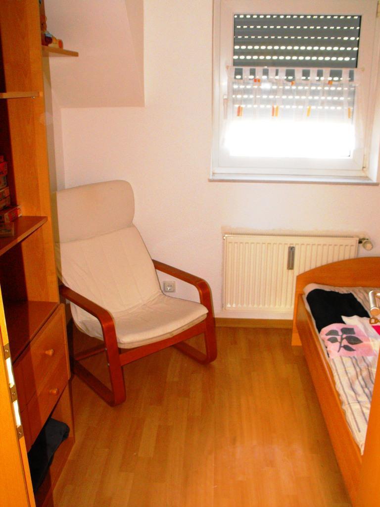 Schlafzimmer, klein IV
