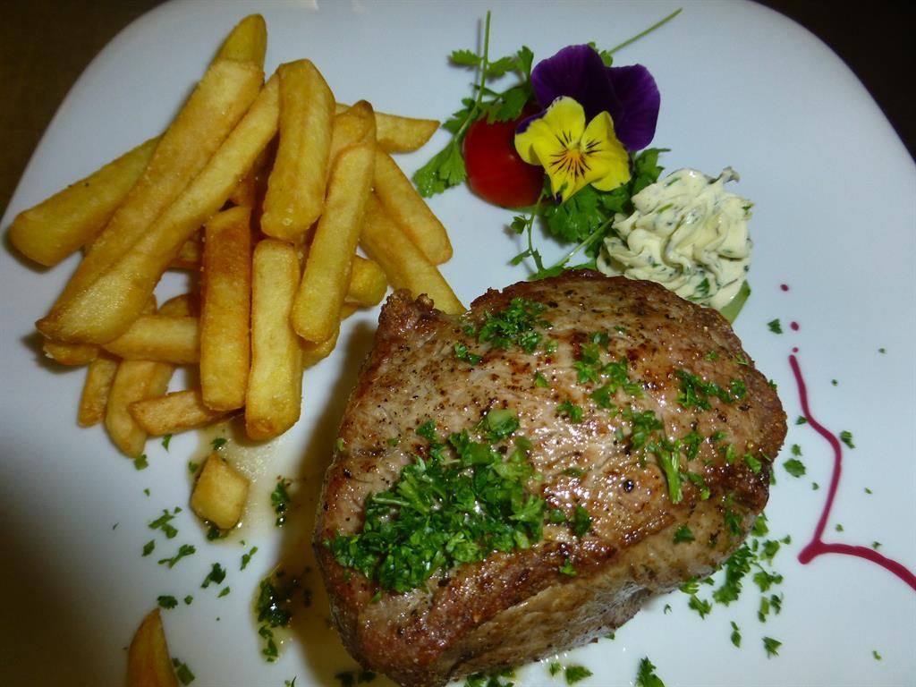 Rumpsteak mit Pommes Frites