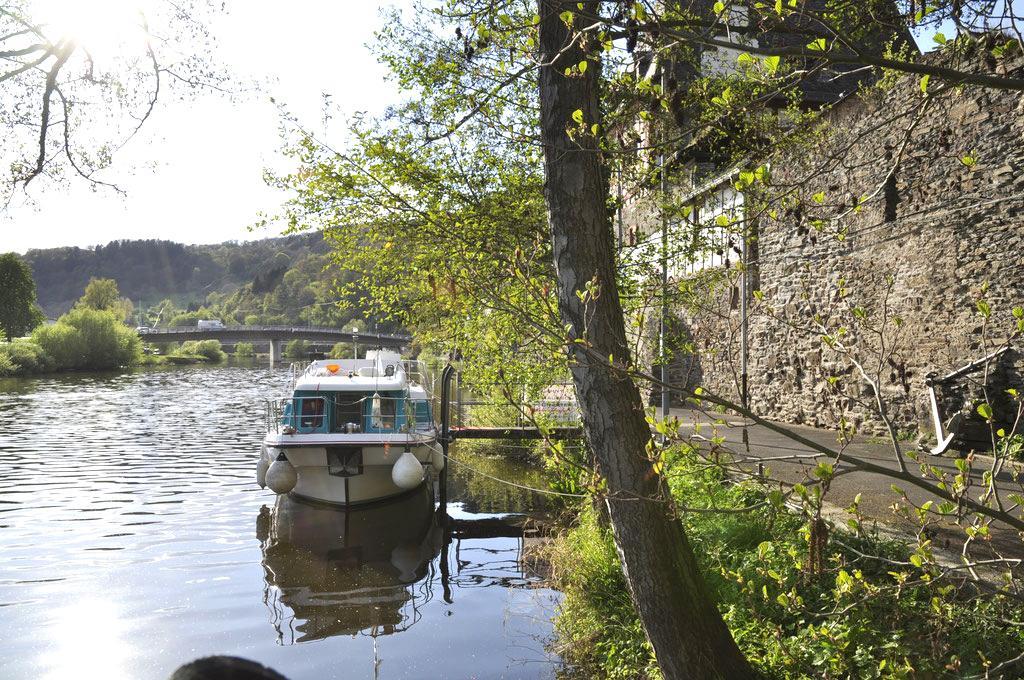 Hausboot auf der Lahn