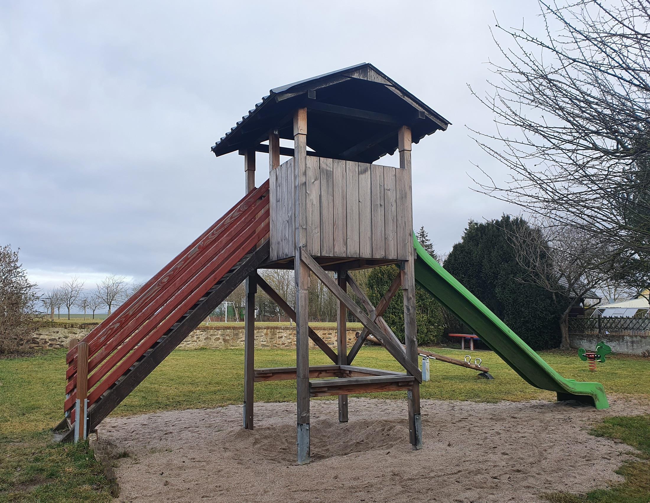 Rutschen-Turm