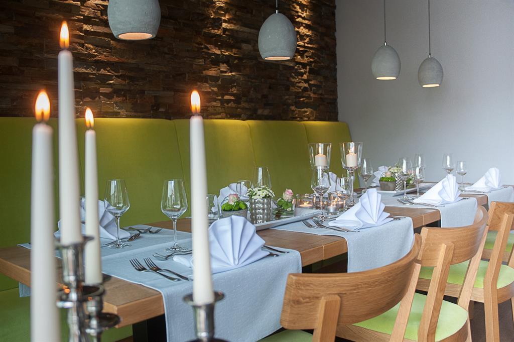 """Restaurant """"Grüner Weinsalon"""""""