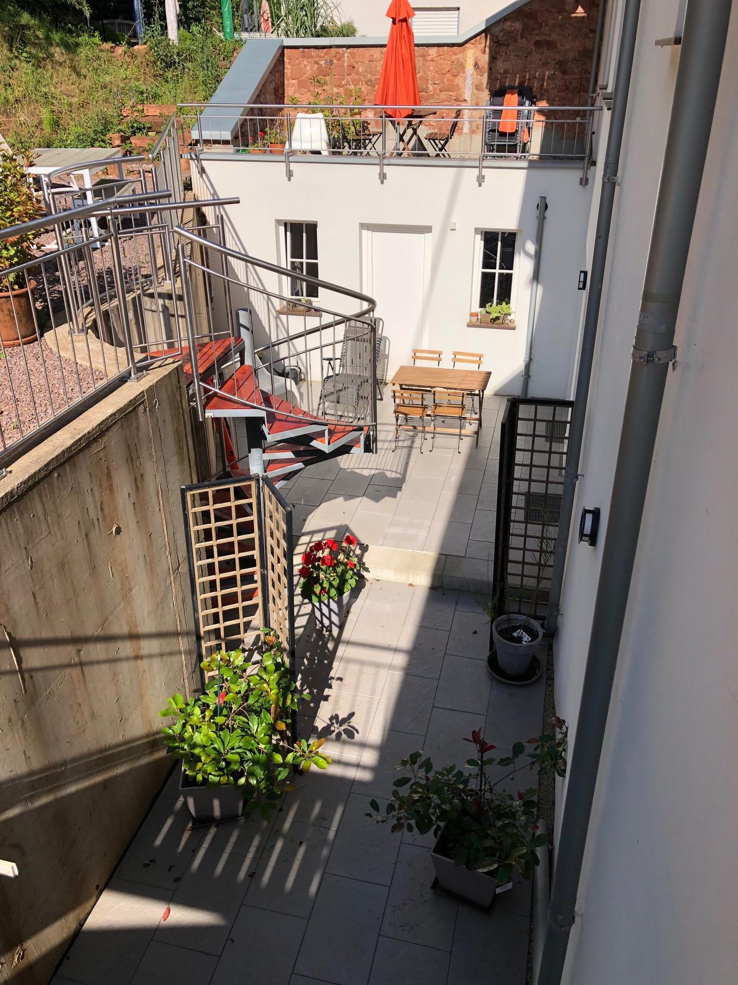 Blick auf die Terrassen von NAMUR EG und BRÜGGE OG