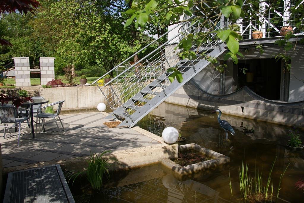 Teichanlage mit Grillstelle