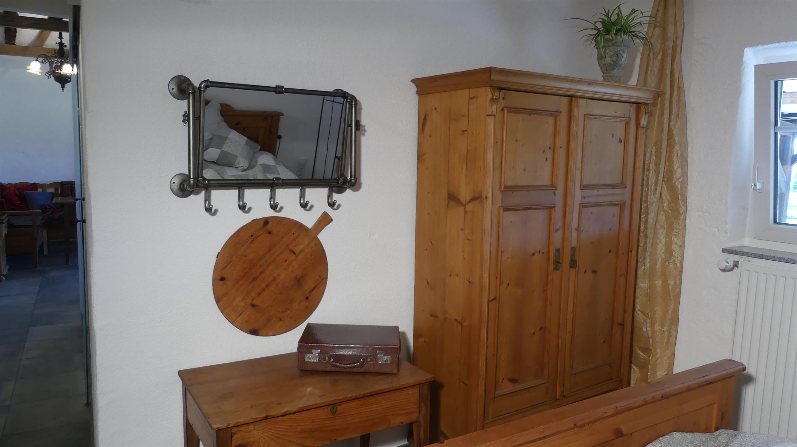 Schlafzimmer-Kleiderschrank