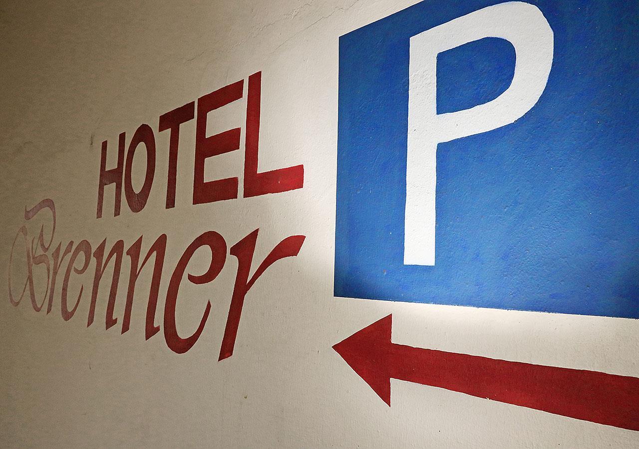Parkplatz_4S1A1830_b_Booking