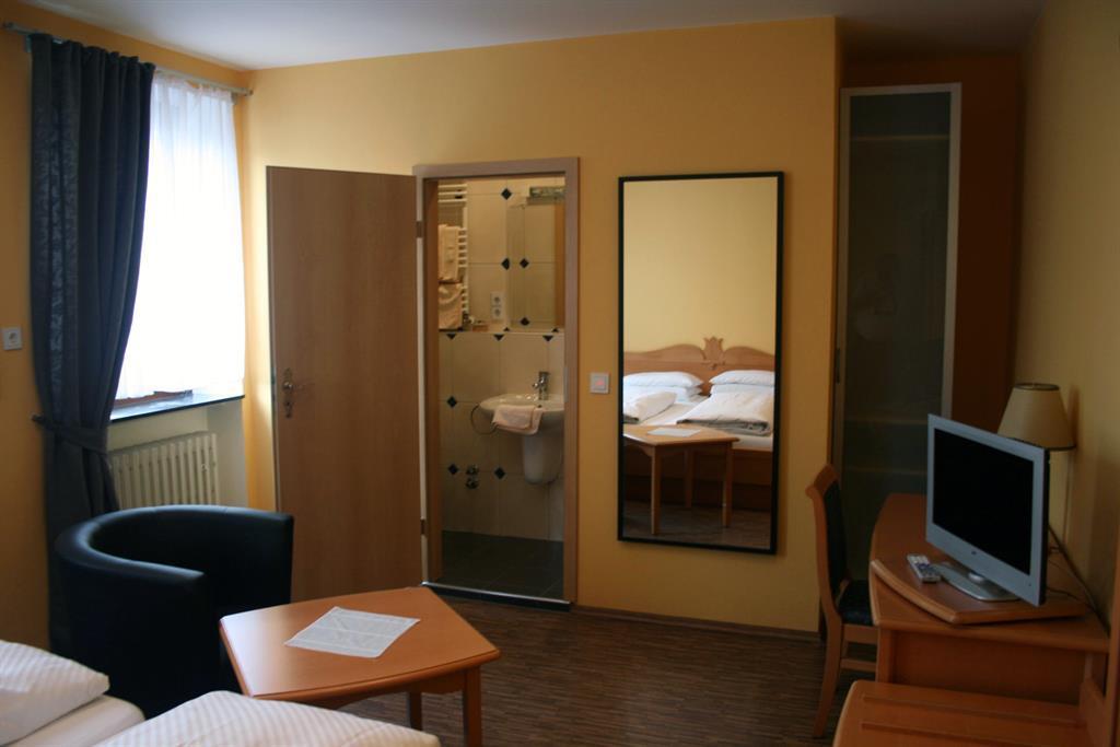 Zimmer 16 - 5