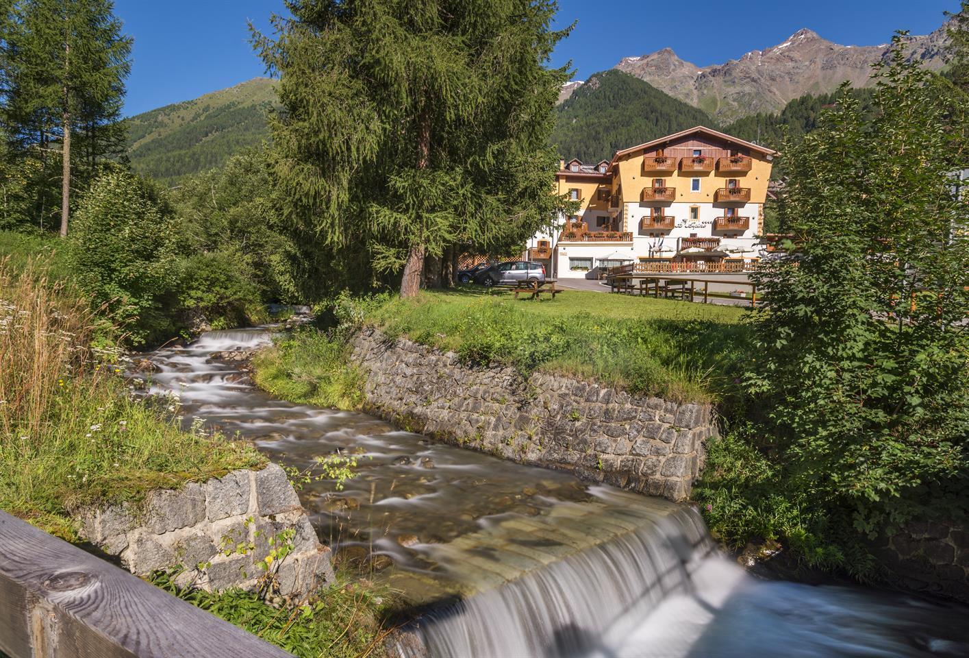 ALPINO HOTEL & BLU BAY FAMILY WELLNESS HOTEL