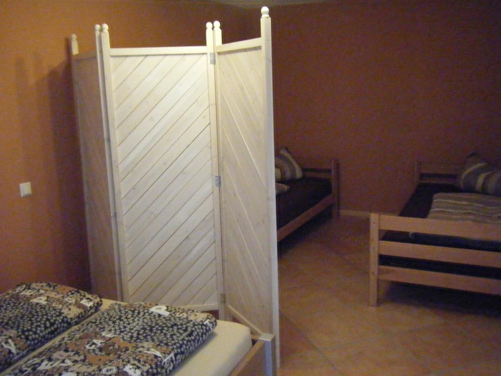 ferienwohnung zum canadier appartement fewo dusche wc. Black Bedroom Furniture Sets. Home Design Ideas