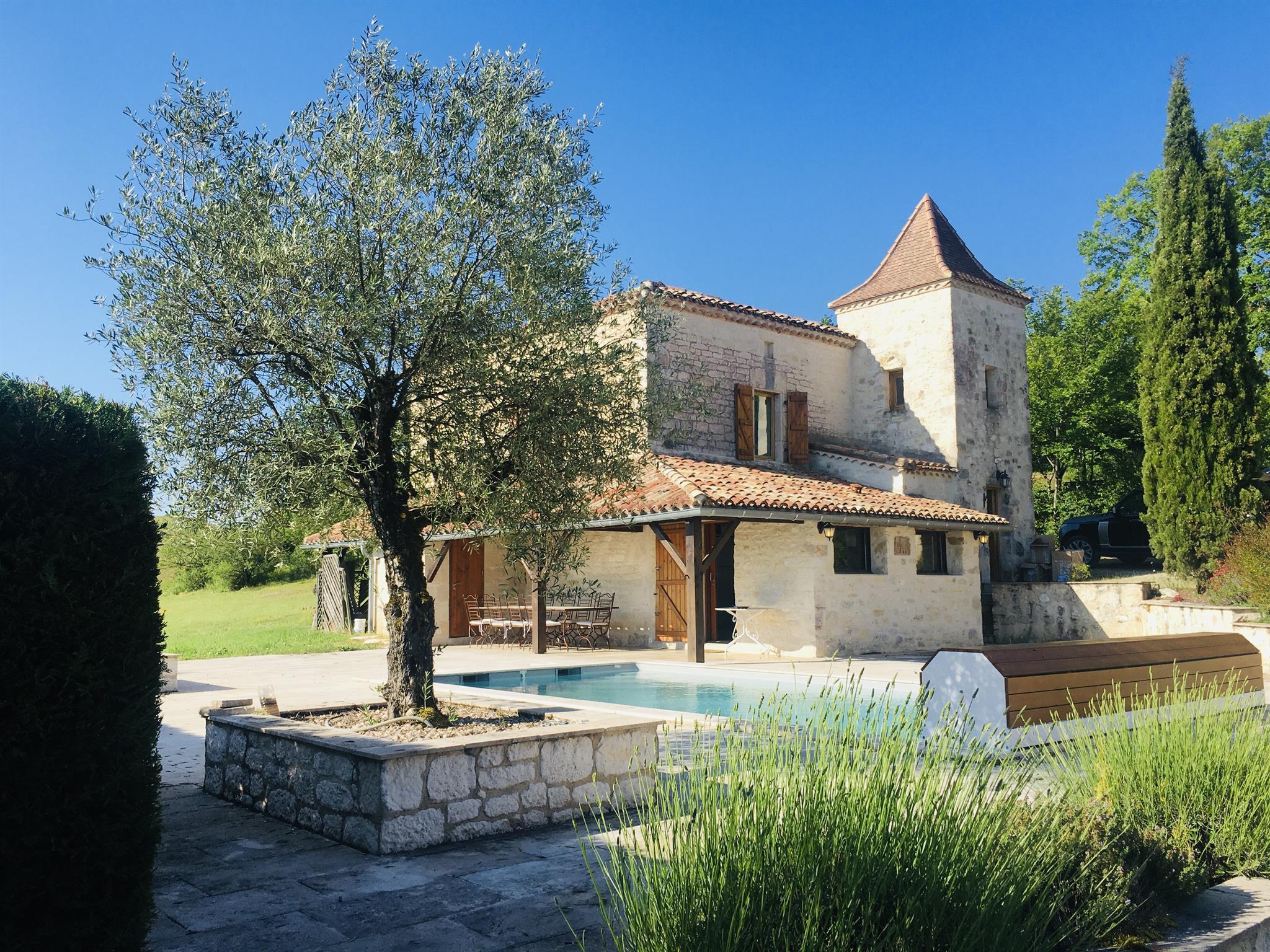 Cabosse Ferienhaus, Dusche und Badewanne, 2 Schlaf Ferienhaus in Frankreich