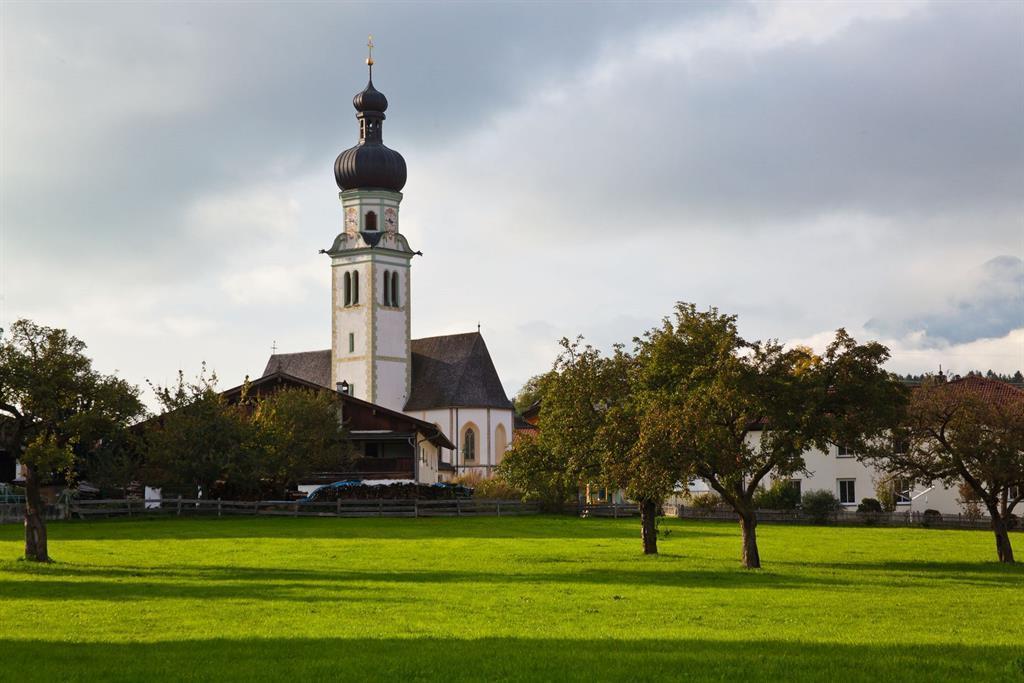 Kirchen-Patrozinium mit Prozession