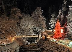 Adventpfad mit großem Weihnachtsmarkt