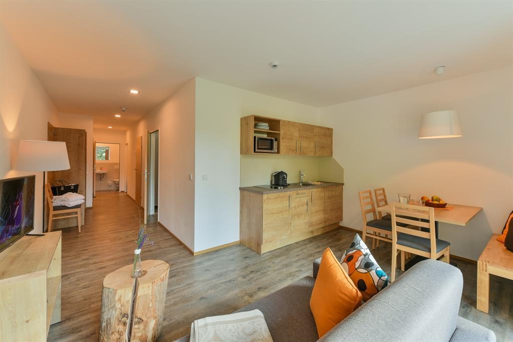 Balkon Klein Appartement : Ferienwohnung klösterle mit terrasse oder balkon für bis zu 6
