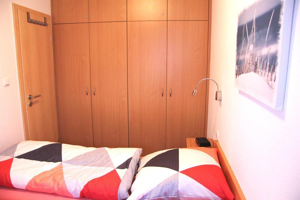 2.Schlafzimmer Schrank