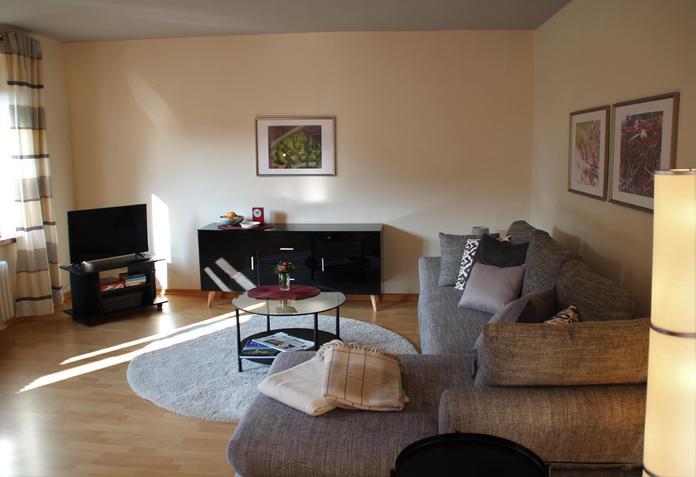 Wohnzimmer Sofa Tisch