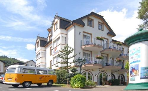Hotelansicht (Eingang am Reilsbach)