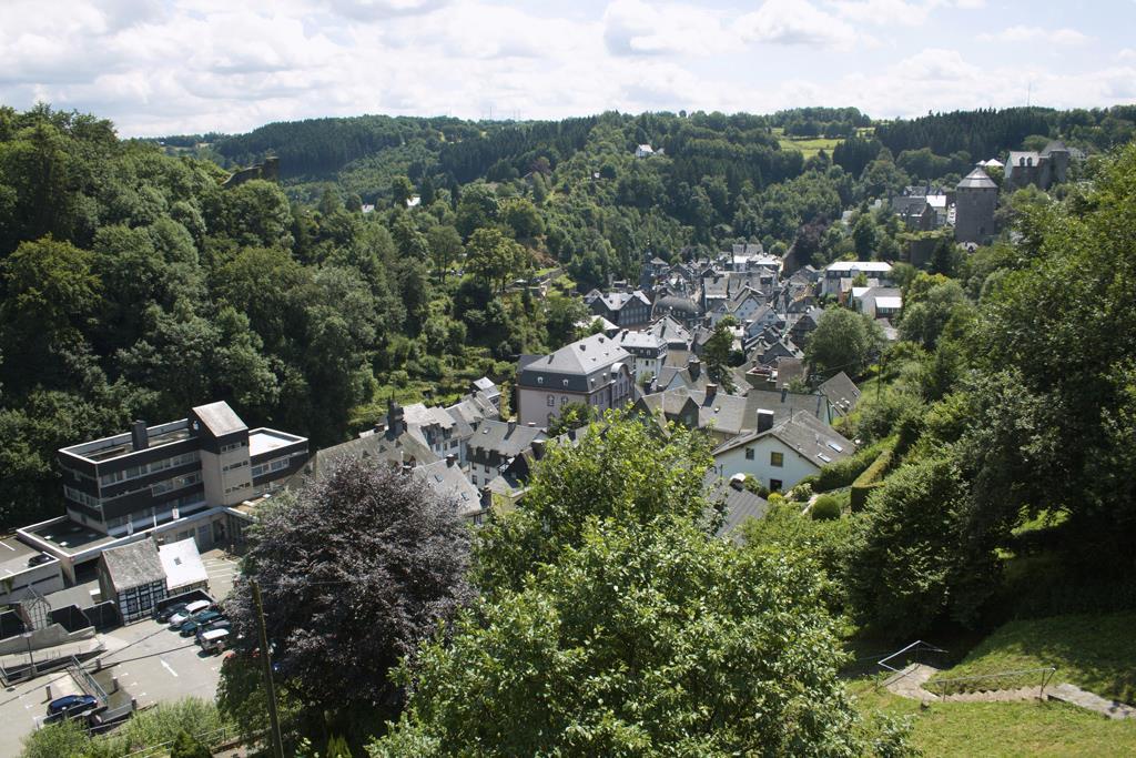 Haus Panoramablick 1+2 2-Bettwohnung Haus Panorama Ferienwohnung  Eifel in NRW