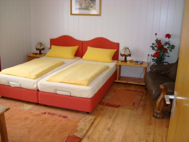 Schlafzimmer 05