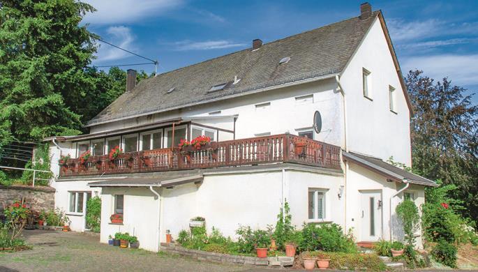 Villa Gockel 20-Bett-Ferienhaus, 5 Schlafzimmer, Kelberg