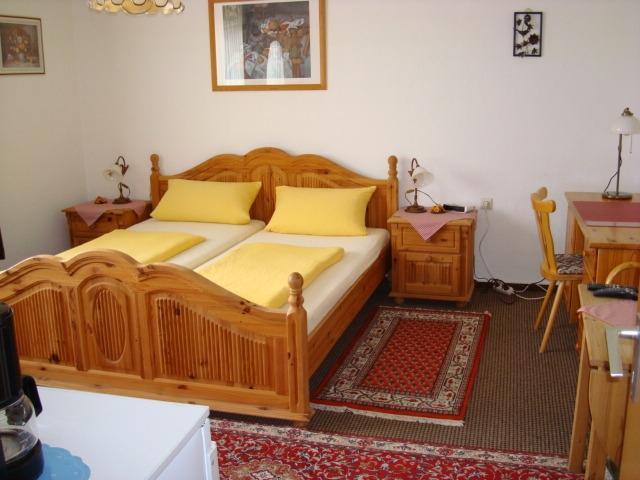Schlafzimmer 04