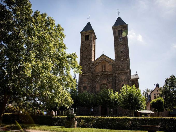 Kirche Ernst, @ Tourist Information Ferienland-Cochem