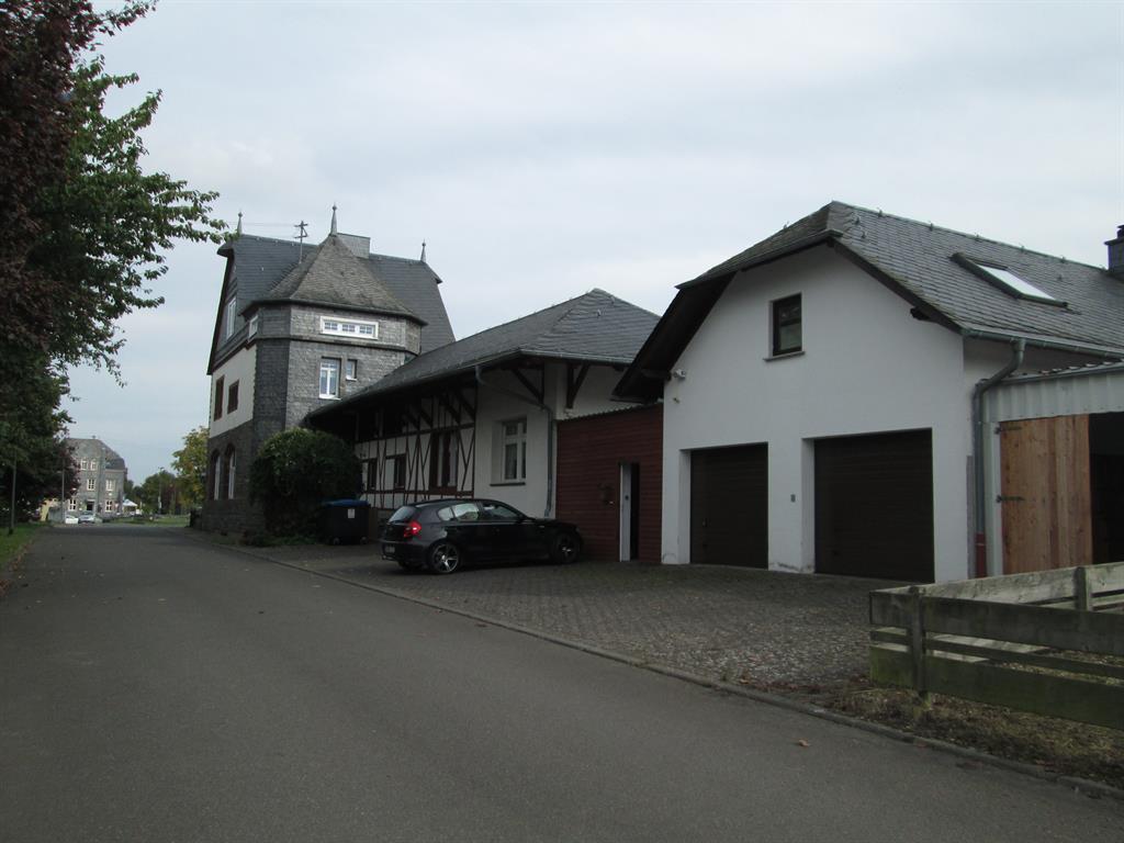 Straßeansicht_FW_Bahnhof
