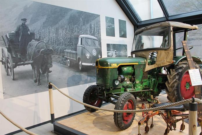 Traktor, @ Tourist-Information Ferienland Cochem