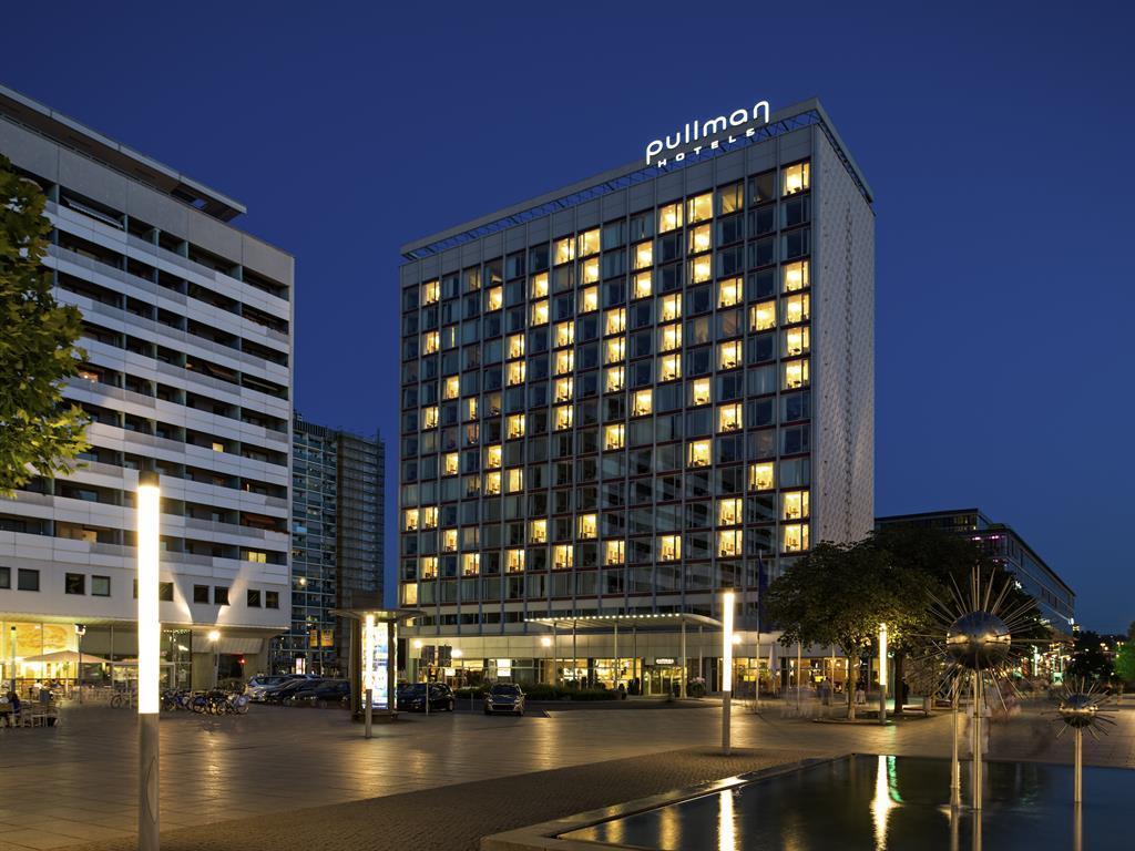 Foto Hotel bei Nacht_quer_3014-18_L