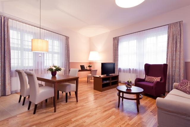 Foto Aparthotel am Schloß - Zimmerbeispiel 1