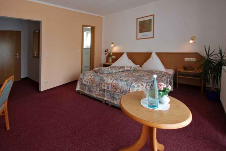 Foto Hotel Zur Linde - Zimmerbeispiel