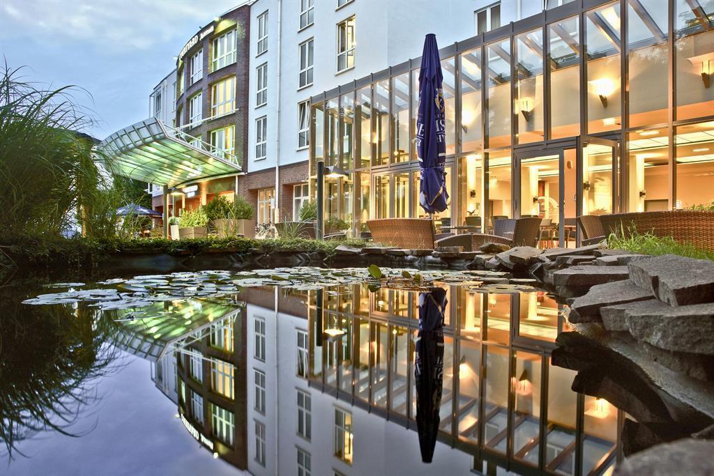 Foto Courtyard Dresden Hotelansicht