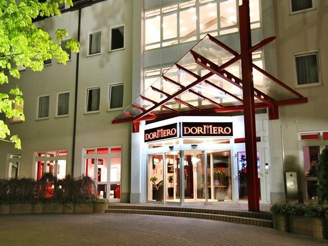 Foto DORMERO Hotel Dresden Airport Aussenansicht