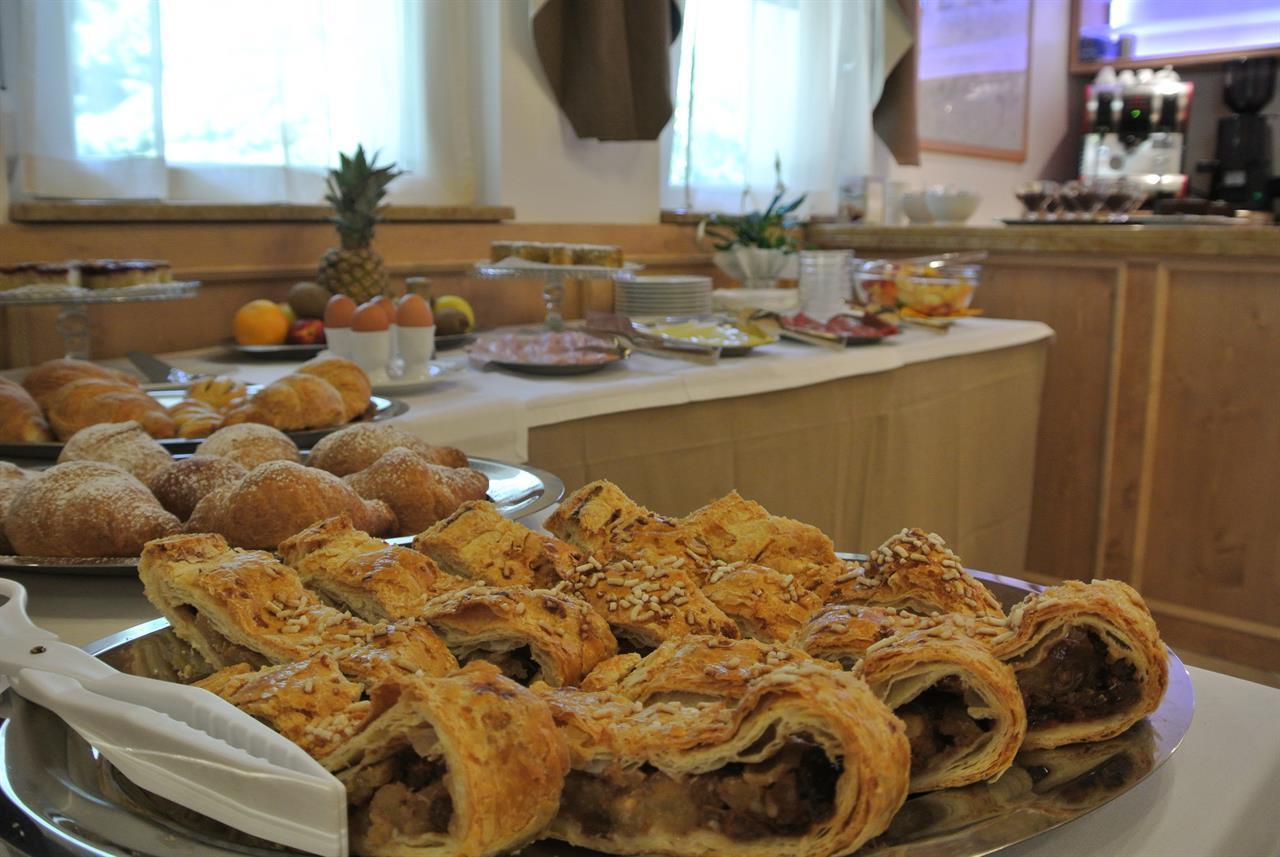 strudel colazione miralago Valsugana