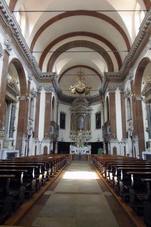 Visite alla chiesa di San Pietro e ai Chiostri