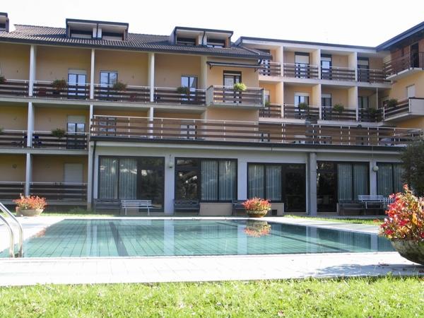 Hotel Dolomiti - piscina