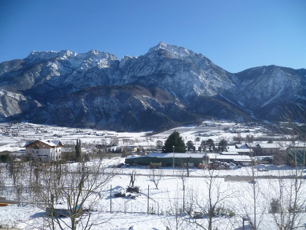 vista sulla valle invernale